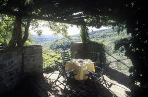 The garden at the Torniello flat in the 16th-century Casa Olinda villa, available for rent